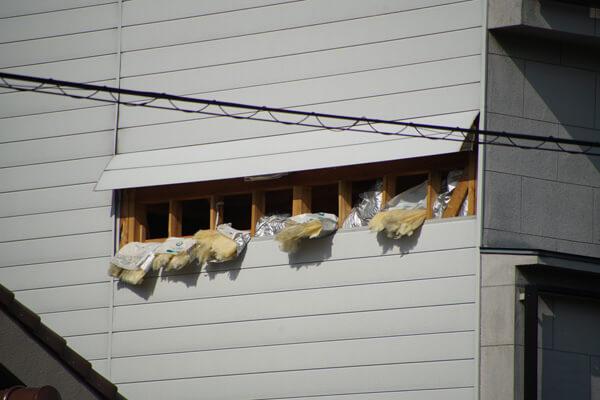 台風21号の被害 壁の破損